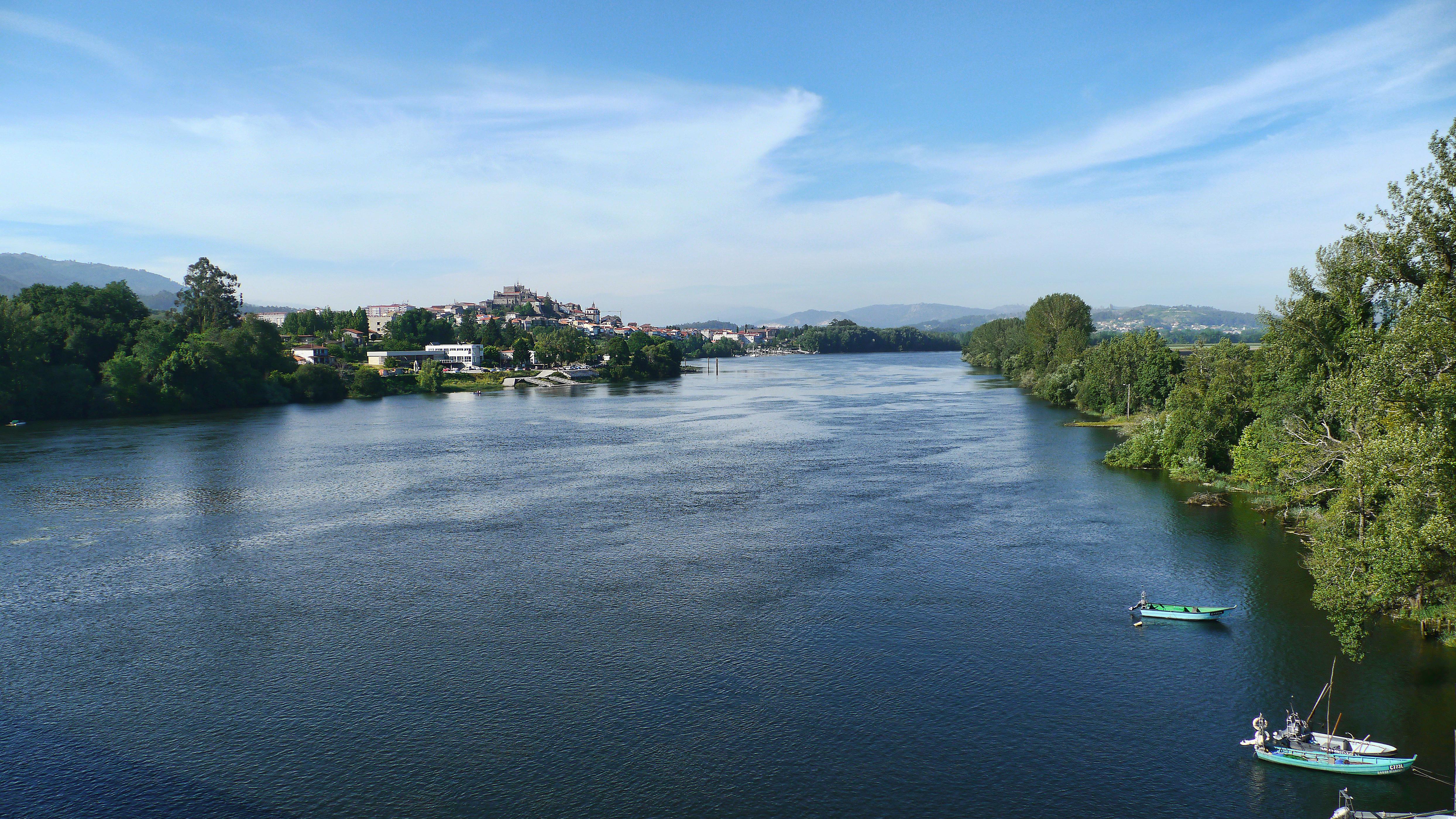 Foto perspectiva rio miño para o comunicado da pandemia do COVID19